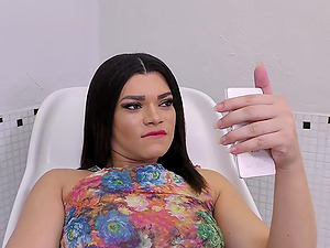 Transsexual Paulinha Lima Fucks a Banana