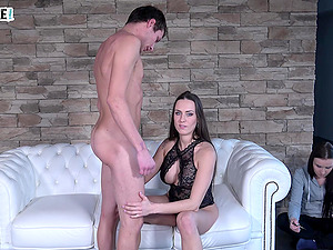 Mea Melone's friend finishes her partner after she's done with him