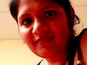 Sexy Indianan girl Raga teasing on the webcam