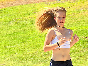 Sporty blonde babe Dakota exposes her pussy in public while jogging