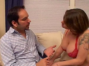 Chesty cougar Kayla Quinn gargles a man rod and rails it in cowgirl position