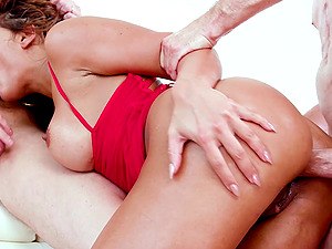 Facials after a threesome is what gets Mercedes Carrera off easily