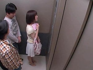 Nasty Chick Gets a Good Bang in an Elevator