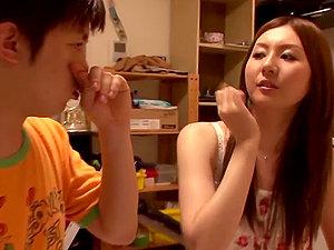 Sexy Japanese lady Yui Tatsumi is a fine fuck pal