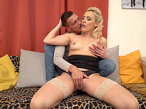 Blonde mature bombshell Brittany Bardot stuffed with cock