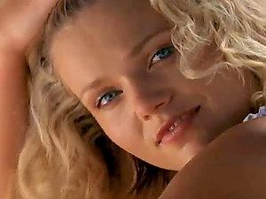 Village cutie Victoria Zdrok boasts of her natural beauty