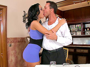 Rough Hookup With the Buxomy Black-haired Angelina Wild
