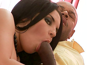 Sexy Bettina Dicapri gets threesomed by two guys with big tits
