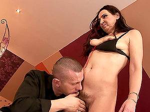 Mature Dark haired Liza Bird Likes it Hard and Deep in Her Snatch