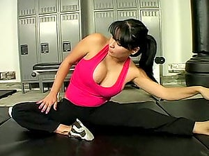 Sophia Lomeli gets gorgeously fucked in the locker room