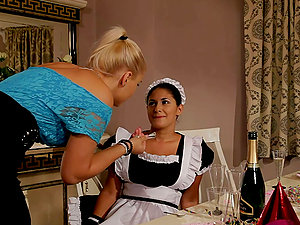 Brandy Smile entices her maid Connie and fucktoys her nice labia