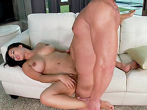Jessica Bangkok gets her cunt ate and fucked every which way