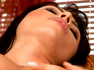Sizzling Sybilla closes her eyes, when she touches her cooch