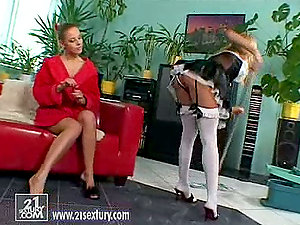The mistress and the maid in hot sapphic vid