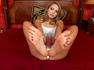 Super-cute Chick Paints Her Toe Penetrates