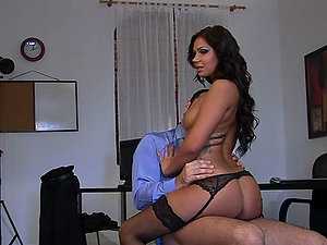 Brown-haired Bitch Gets Her Vagina Fucked