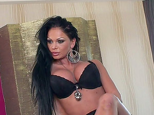 Big Titty Dark-haired Stunner Fondles Her Trimmed Snatch