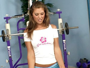 Cherie stops her workout to masturbate in the GYm