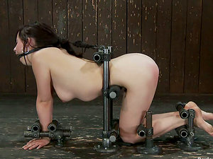 Finger-tickling and Playing Brown-haired Lindy Lane for Orgasm in Restrain bondage Vid