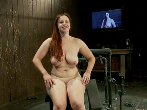 Voluptuous Bella Rossi Fucked by Machine in Restrain bondage Vid