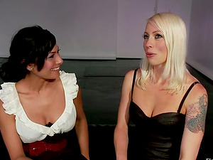 Kinky Electrical Taunting and Assfuck Strapon for Beretta James in Lez Female dominance