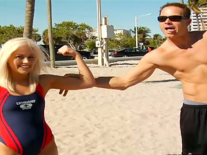 Blonde Lifeguard Ditches Responsibilities to Have Fucky-fucky for Money