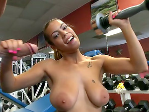 Big-titted beauty Jasmine gets amazingly fucked in a gym