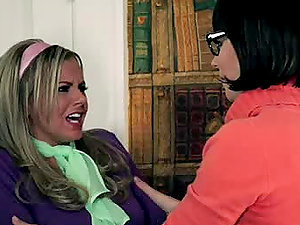 Velma Goes Down On Daphne And Viceversa in Girly-girl Parody Pornography Vid