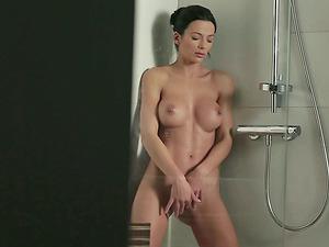 Sexy Shalina Divine and Her Big Round Tits Masturbating in the Douche