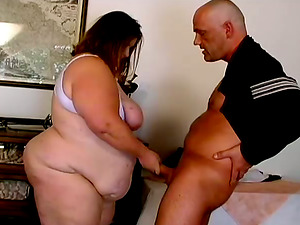 Chubby Hilda is a BBW queen and she loves it massive