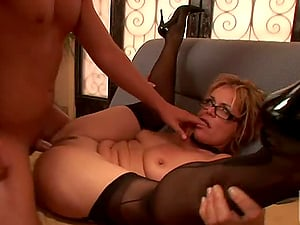 Sexy Cockslut Kelly Leigh Gets Jism On Glasses After Xxx