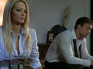 Gonzo Bang-out For Lexi Gulps's Pink Smoothly-shaven Cunt