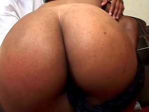 Black Beauty Kitt Katt Gets Hard Dick Doggystyle In Cheap Motel Room