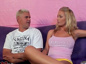 Smoking hot Nicole Aniston gives herself to Porno Dan