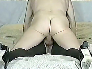Blonde mom gets her cunt drilled thru the crevice in her pantyhose