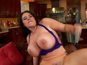 Curvy Black-haired With Big Tits Gets Fucked Hard In Interracial Bang-out
