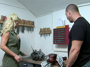 Big titted Victoria Rush gets banged by muscled fellow