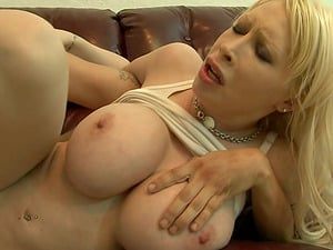 Curvy Candy Manson get her pink vagina ripped up