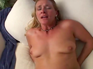 Ivy Love is a stunning mummy that wants it big
