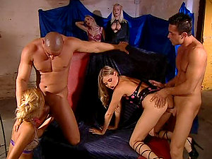 Gathering Of Kinky Folk For Giggidy Group Lovemaking