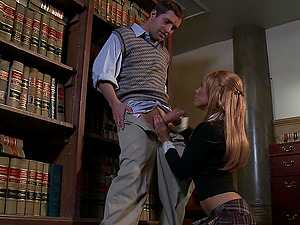 Kirsten Price gives a spunky oral job in the probe