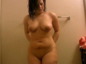 Chubby chick Roxy moisturizes her assets in the bathroom