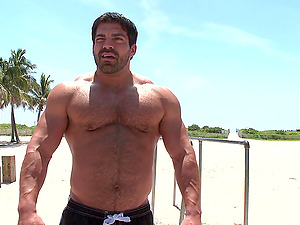 Muscular poofter makes a twunk suck and rail his dick in the street