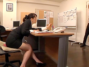 Japanese office lady Ki Hanyuu shows her amazing cock-sucking abilities