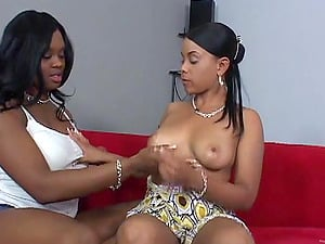 Black Lesbos Eating Their Vaginas