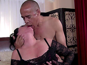 Big-chested mature dark-haired Alexis Couture blows and rails dick on top