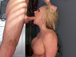 Gorgeous Blonde With Thick Tits Luving A Missionary Style Fuck In A Hospital Room