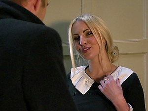 Blonde skank Loulou likes rough doggystyle hook-up with Danny D