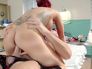 Hornyt doc fucks the smoking hot Ryder Skye