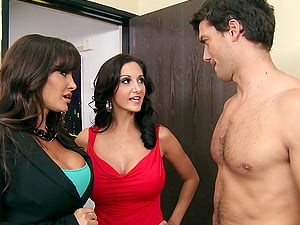 Striking Cougar Getting Her Ass fucking Drilled In A Threesome Lovemaking